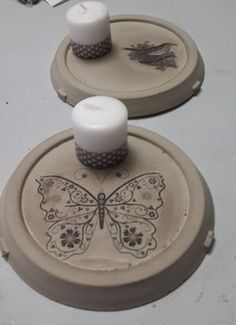 Risultati immagini per beton concrete ideas Concrete Jewelry, Concrete Cement, Concrete Crafts, Clay Projects, Diy Art, Primary Colors, Diy And Crafts, Polymer Clay, Candle Holders