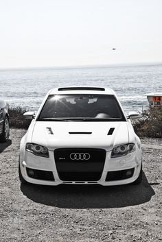 Audi | White