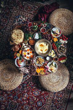 Mozzarella Homemade, Turkish Flat Bread, Turkish Eggs, Easy Mediterranean Recipes, Spinach Rolls, Turkish Breakfast, Arabic Breakfast, Cake Logo Design, Bread Ingredients