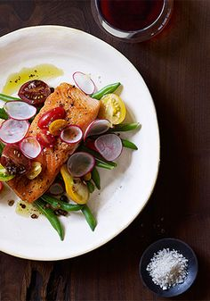 Seared Salmon with Green Bean Salad and Balsamic Vinaigrette Recipe - quick clean-eating recipe