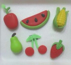 Frutas  en  porcelana fria