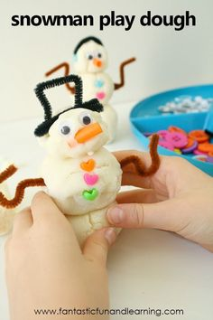Make some sparkly white play dough and grab some loose parts. This snowman winter play dough invitation is an excellent winter activity for kids. Winter Activities For Kids, Toddler Activities, Fun Activities, Crafts For Kids, Preschool Winter, Weather Activities, Winter Fun, Winter Theme, Winter Ideas