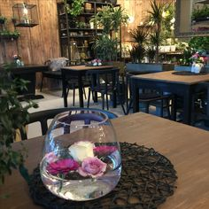 Blomsterkafe Table Decorations, Furniture, Home Decor, Decoration Home, Room Decor, Home Furnishings, Home Interior Design, Dinner Table Decorations, Home Decoration