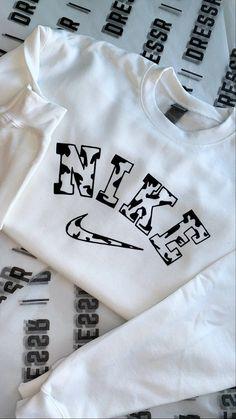 Cute Nike Outfits, Lazy Outfits, Cute Comfy Outfits, Teen Fashion Outfits, Retro Outfits, Trendy Outfits, Vintage Nike Sweatshirt, Foto Baby, Cute Sweatshirts
