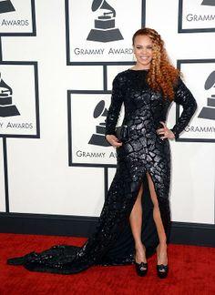 Grammys 2014: Taylor, Amber, Rita & Pink dazzle in metallic ensembles (see pics)