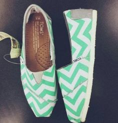 Cute Toms! Cheap Toms Shoes, Toms Shoes Outlet, Mint Chevron, Chevron Toms, Cute Shoes, Me Too Shoes, Espadrilles, Killer Heels, Crazy Shoes