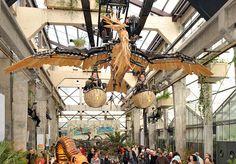 This is so cool! To be found in France, - The Galerie des Machines - Les Machines de l'île - Les Machines de l'île