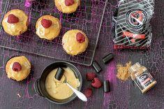 Lakritsi-vadelmakuppikakut – Hellapoliisi Pineapple, Cheesecake, Fruit, Desserts, Food, Instagram, Tailgate Desserts, Deserts, Pine Apple