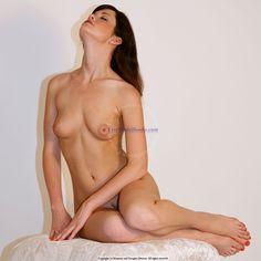 Art Models pose mandy014