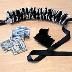 I've seen a LOT of money leis, but this one looks the fanciest! DIY money lei t… – redpapoa Flamingo Party, Party Favors, Ribbon Lei, Ribbon Crafts, Diy Ribbon, Paper Crafts, Graduation Leis, Graduation Decorations, Money Origami