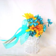 Yellow and teal wedding flowers