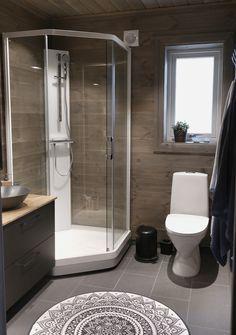 Bathroom Vanity Designs, Bathroom Inspo, Bathroom Inspiration, Modern Cabin Interior, Chalet Style, Cottage Interiors, Alpine Style, Toilet, Villa