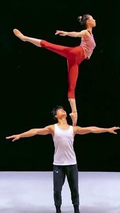 Ballet Dance Videos, Dance Tips, Dance Choreography Videos, Ballet Dancers, Ballet Dance Photography, Dance Technique, Cool Dance Moves, Ballet Pictures, Gymnastics Videos