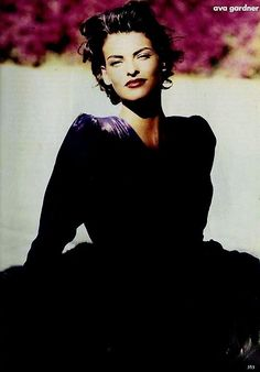 Linda Evangelista  for Vogue by Peter Lindbergh 1990'