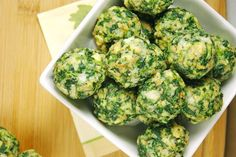 Receta fácil y rápida con verduras. Una receta divertida para niños con espinacas: bolitas de espinacas.