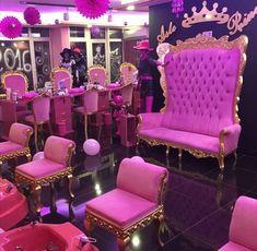 Eat diamond for breakfast and sleep faux fur — expensivetastexox: 💅🏻 Nail Salon Decor, Beauty Salon Decor, Luxury Nail Salon, Kids Salon, Kids Spa, Nail Room, Spa Party, Salon Design, Nail Spa