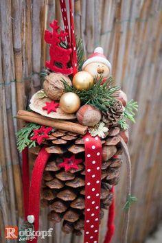 weihnachtsdekoration weihnachtst rkranz zapfen kunstschnee. Black Bedroom Furniture Sets. Home Design Ideas