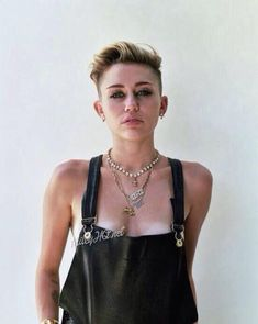 - Miley Cyrus - Sexy Rolling Stone Outtakes - 3 of 13 Miley Cyrus Photoshoot, Miley Tattoos, Miley Cyrus Pictures, Miley Stewart, Lgbt, Skinny Motivation, Famous Women, Famous People, Celebs