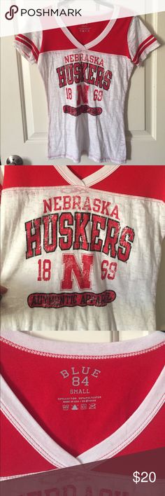 Nebraska Huskers shirt with 2 hats Burnout tee. New beanie and baseball hat worn once or twice. Other