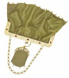 Vintage Purses, Vintage Bags, Mesh Bags, Beaded Bags, Gold Beads, Beautiful Bags, Tote Handbags, Handbag Accessories, Evening Bags