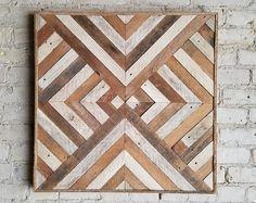Holz Wandkunst, Dekor, Latte, Diamond Geometric Triangle Recovery Source by sandrauntz Wood Wall Art Decor, Reclaimed Wood Wall Art, Wooden Wall Art, Wood Art, Wood Projects, Woodworking Projects, Motifs Aztèques, Wood Mosaic, Creation Deco