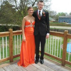 Prom dress EXCELLENT condition. ‼ SALE ‼️ ️Only worn once for a few hours. NO ALTERATIONS. Floor length, corset back, sweetheart neckline, SIZE 8. Dresses Prom