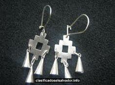 joyas mapuches - Buscar con Google Clay Jewelry, Metal Jewelry, Jewelry Art, Jewelry Gifts, Silver Jewelry, Handmade Jewelry, Jewelry Design, Mexican Jewelry, Ethnic Jewelry