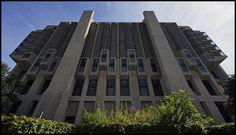John P. Robarts Library, University of Toronto Library University, University Of Toronto, Toronto Photos, Skyscraper, Multi Story Building, Germany, Explore, Architecture, Arquitetura