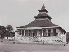 Dutch East Indies, Borobudur, Dutch Colonial, Grand Mosque, Borneo, Jakarta, Building A House, Past, Architecture Design