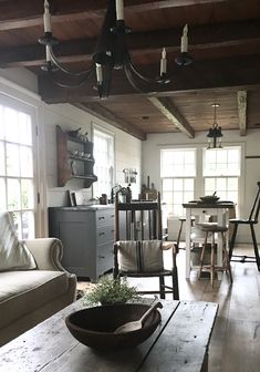 Farmhouse Kitchen Decor Ideas: Great Home Improvement Tips You Should Know! You need to have some knowledge of what to look for and expect from a home improvement job. French Country Interiors, Cottage Interiors, Rustic Interiors, Farmhouse Kitchen Interior, Farmhouse Furniture, Farmhouse Decor, Shed Interior, Interior Design, Küchen Design