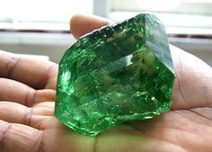Weighing in at carats and priced well over two million dollars, this extraordinary tsavorite is one of the largest most valuable gems ever to be discovered in East Africa. and minerals,Classic Gemstones,crystals I Minerals And Gemstones, Rocks And Minerals, Loose Gemstones, Natural Gemstones, Pierre Turquoise, Mineral Stone, Emerald Stone, Emerald Green, Rocks And Gems