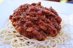 Sauce à spaghetti style Georges Steak house Bechamel, Mayonnaise, Nom Nom, Steak, Food And Drink, Pizza, Fruit, Cooking, Ethnic Recipes