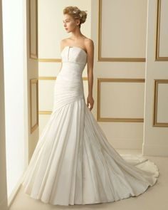 120 TARANTO / Wedding Dresses / 2013 Collection / Luna Novias