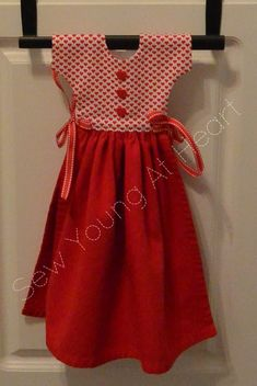 Kitchen Towel Dress Red and White Hearts Kitchen Towels Crafts, Kitchen Towels Hanging, Dish Towel Crafts, Hanging Towels, Dish Towels, Hand Towels, Towel Dress, Sewing Aprons, Red Gowns