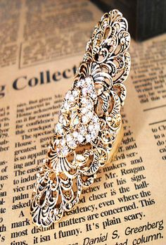 Vintage Hollow Out Crystal Ring US$8.84