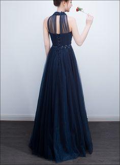 6a627b6e13b1 Blaues Abendkleid mit Mandarinkragen und Stickerei Blaues Abendkleid,  Stickerei, Brautkleid, Kleidung, Dell
