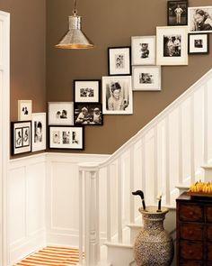 Para decorar las escaleras siempre se puede utilizar una combinación de fotografías. Visita nuestra web y descubre nuestras fotografías y acabados, también hacemos tus fotografías en nuestros acabados: http://www.yellowtomate.com/