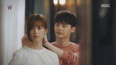W Two Worlds - Everyday romance. Chul ties Yeon-Joo's hair. #onigirilove #kdrama #w