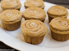Salted caramel cupcakes [Vegan]- I want to try these cakes w/o the oil and replace with gr flax/water-thickened