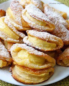 Nastoletnie Wypiekanie: Uśmiechnięte ciastka serowe z jabłkami Polish Desserts, No Bake Desserts, Baking Recipes, Cake Recipes, Dessert Recipes, Yummy Food, Tasty, Dessert Drinks, Sweet Cakes
