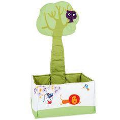 Ce bac de rangement en tissu est aussi un joli élément de décor pour la chambre de votre enfant. Pratique et astucieux, tous les jouets sont facilement accessibles et le tronc contient trois petites poches pour retrouver facilement son doudou préféré.