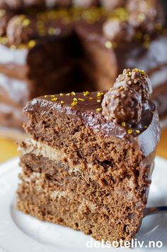 En stor og himmelsk god luksussjokoladekake for deg som virkeligelsker Det søte liv!