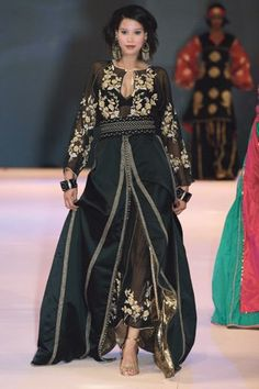 caftan brodé noir et or✖️More Pins Like This One At FOSTERGINGER @ Pinterest✖️
