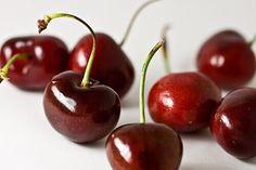 8 Cherry-Picked Recipes to Enjoy the Fresh Fruit's Season Pickled Cherries, Dried Cherries, Sweet Cherries, Bing Cherries, Frozen Cherries, Dried Fruit, Fresh Fruit, Cherry Smoothie, Gluten Free Recipes