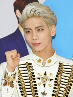 Find images and videos about SHINee and Jonghyun on We Heart It - the app to get lost in what you love. K Pop, Shinee Members, Shinee Albums, Shinee Jonghyun, I Love You Forever, Record Producer, Korean Singer, Boy Bands, How To Look Better