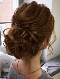 92 Drop-Dead Gorgeous Wedding Hairstyles For Every Bride To Be Textured wedding updo hairstyle ,messy updo wedding hairstyles ,chignon , messy updo hairstyles ,bridal updo Wedding Hair And Makeup, Wedding Updo, Bridal Hair, Gold Wedding, Bridal Tips, Bride Makeup, Prom Makeup, Luxury Wedding, Hair Makeup