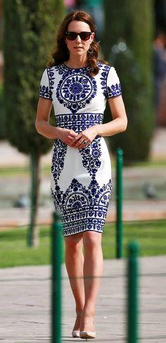 Catherine, the Duchess of Cambridge, visits the Taj Mahal in Agra, India, April 16, 2016. REUTERS/Adnan Abidi