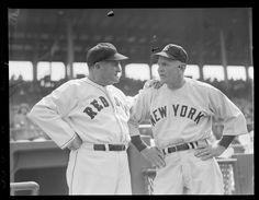 1949 - 1950 (approximate) - manager Joe McCarthy and New York Yankee manager Casey Stengel at Fenway Park. Red Sox Baseball, New York Yankees Baseball, Ny Yankees, Baseball Players, Leo Durocher, Casey Stengel, Go Red, Fenway Park, Boston Red Sox