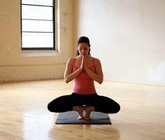 PRACTICA con éstas posturas - Asociación de Instructores de Yoga Latinoamérica