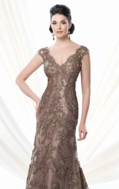 Mon Cheri Bridals is the home to some of the best wedding, prom and special occasion designers. From Ellie Wilde to Sophia Tolli, Mon Cheri Bridals is the place to find the perfect dress for your next event. Evening Party Gowns, Evening Dresses, Mob Dresses, Formal Dresses, Lace Dresses, Dress Lace, Bridal Dresses, Short Dresses, Mothers Dresses